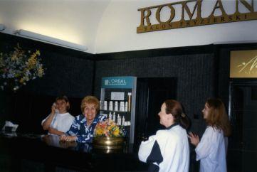 Salon Roman reception